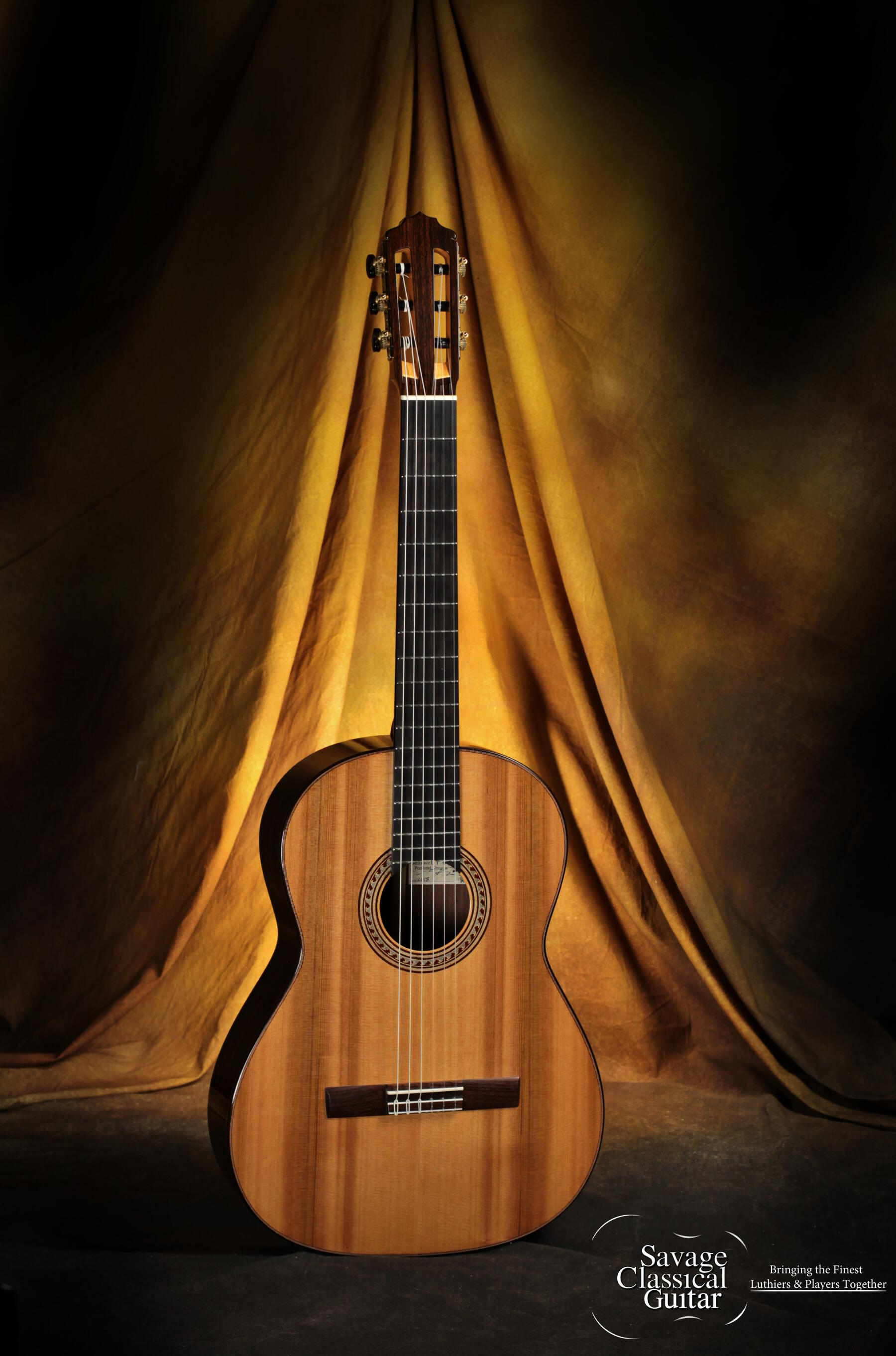2015 Max Sipe Cedar Classical Guitar Review by Beat Pfluger