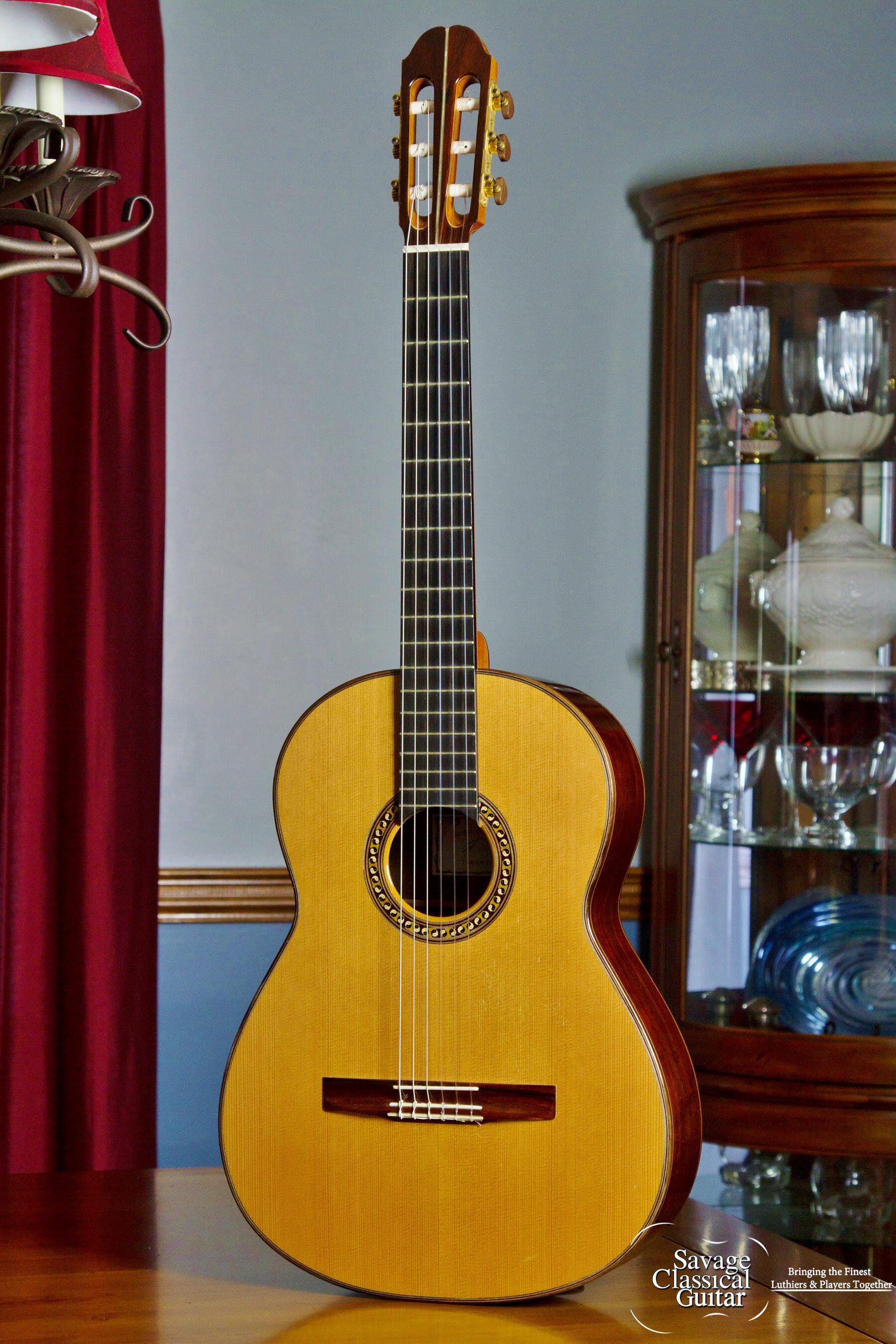 sergei de jonge classical guitar by savage classical guitar. Black Bedroom Furniture Sets. Home Design Ideas