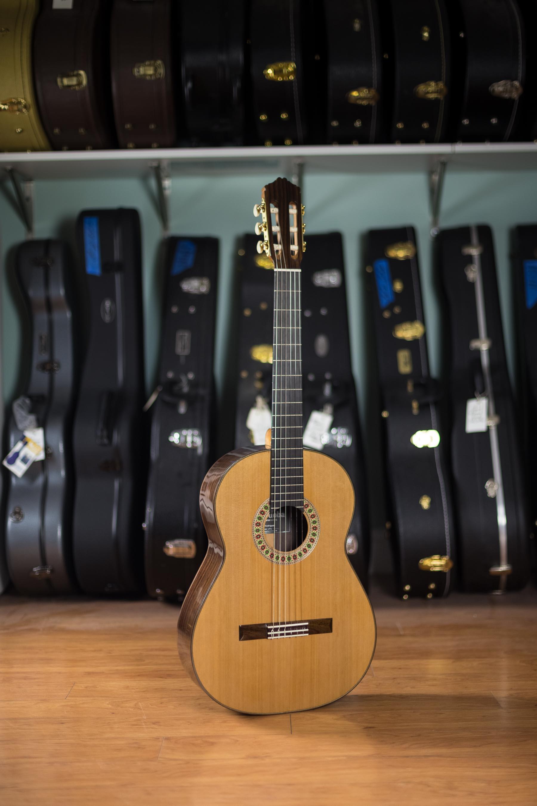 Master Series Matthew Jordan Smith Explains Lighting: Cordoba Master Series Classical Guitar Rodriguez Savage