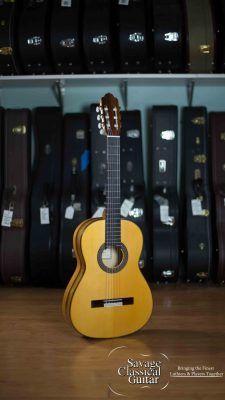 Esteve Flamenco Guitar Model 5FE Redgum